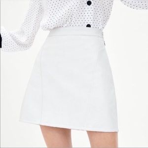 Zara White Faux Leather Mini Skirt Sz S